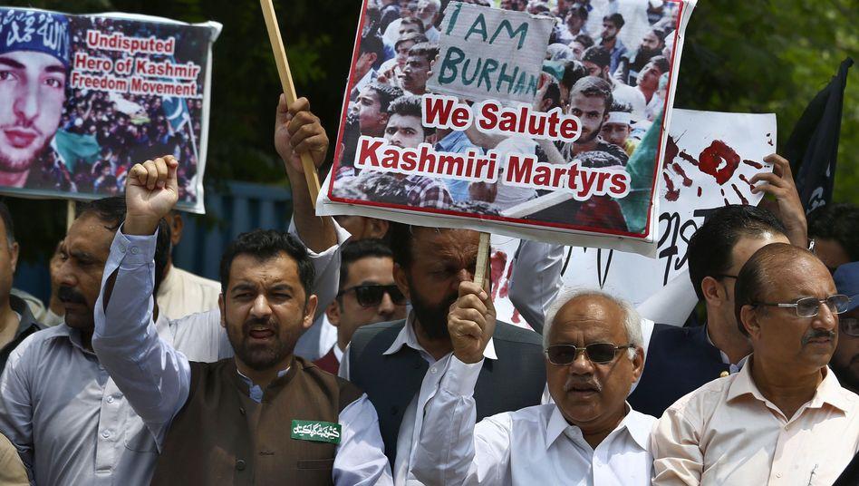 Demonstration gegen die indische Vorherrschaft in der Region Kaschmir