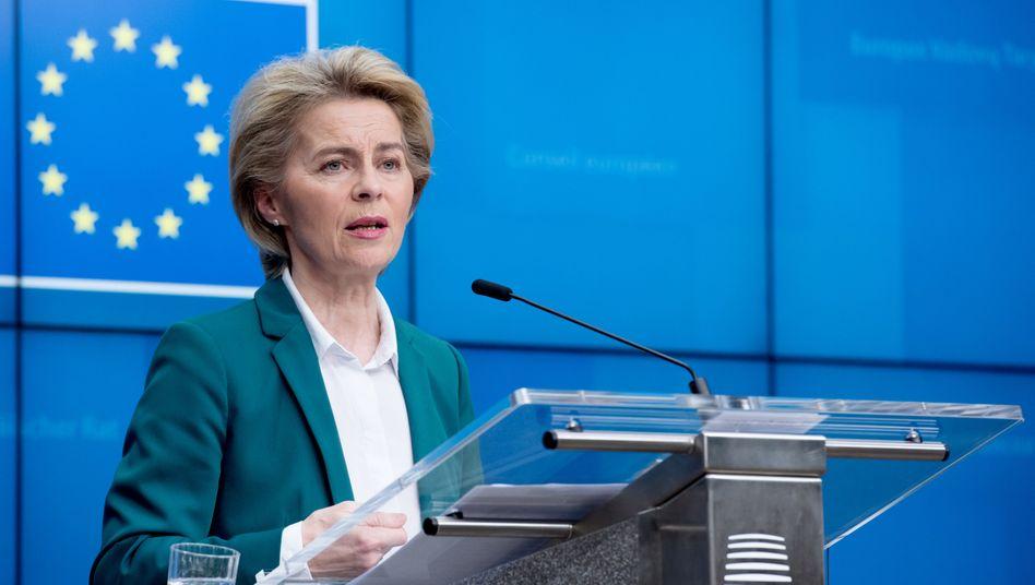 """Ursula von der Leyen: Die EU-Maßnahmen kämen """"übrigens vielen Unternehmen in Bayern auch zugute"""""""