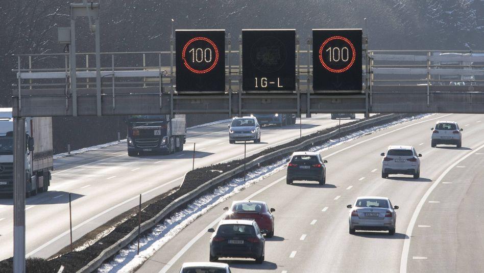 Autobahn mit Tempolimit 100 in Österreich