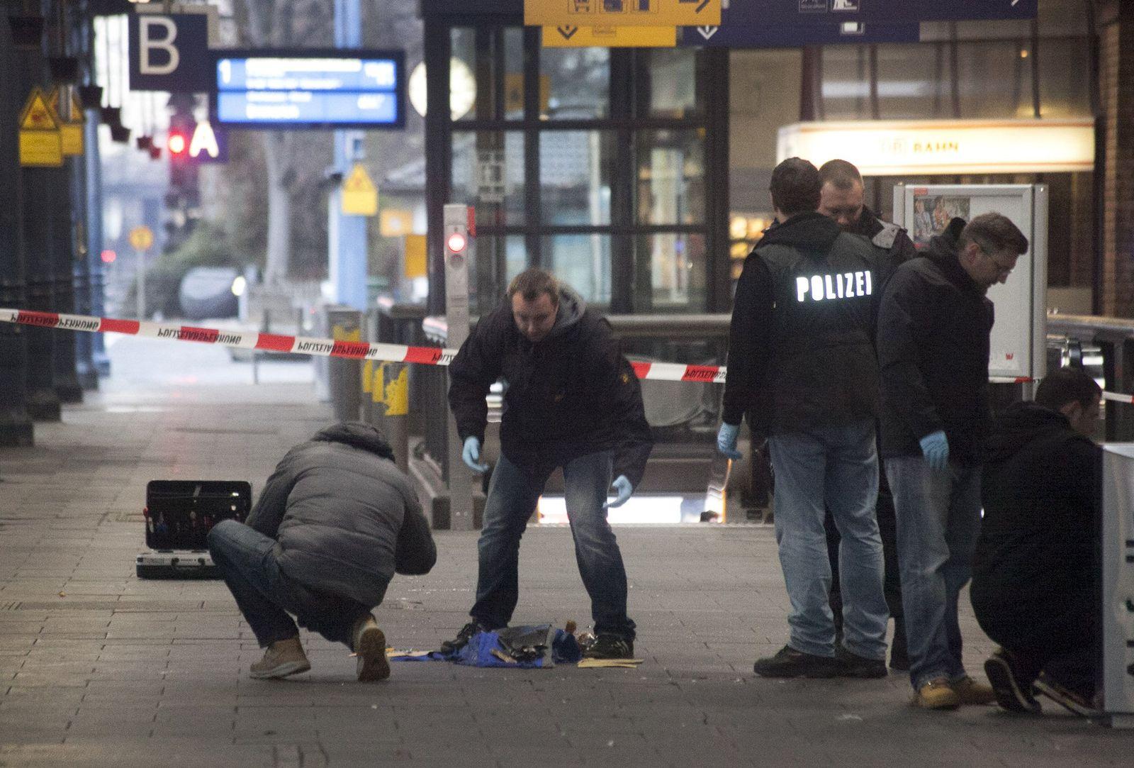 Bonner Hauptbahnhof / Bombe