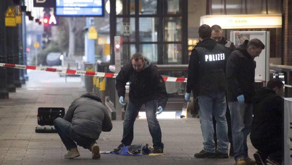 Polizisten am Hauptbahnhof Bonn: Zündmechanismus beschädigt