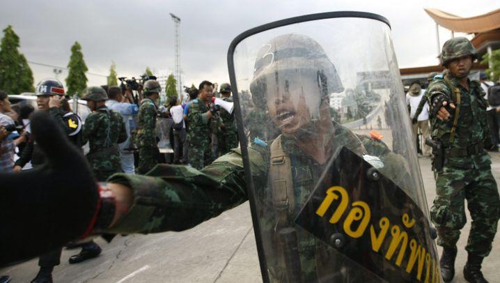 Umsturz in Bangkok: Putsch der Generäle