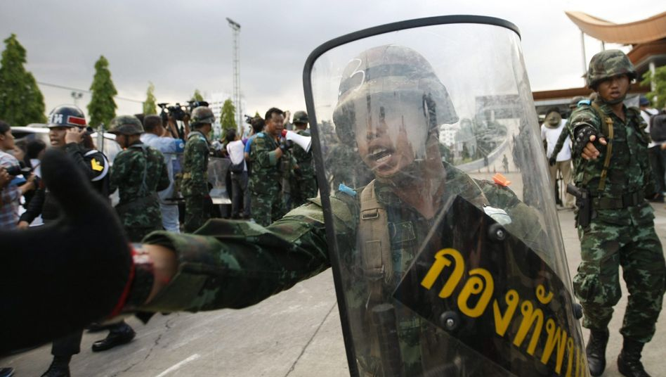 Putsch in Bangkok: Armee hatganz Thailand im Griff