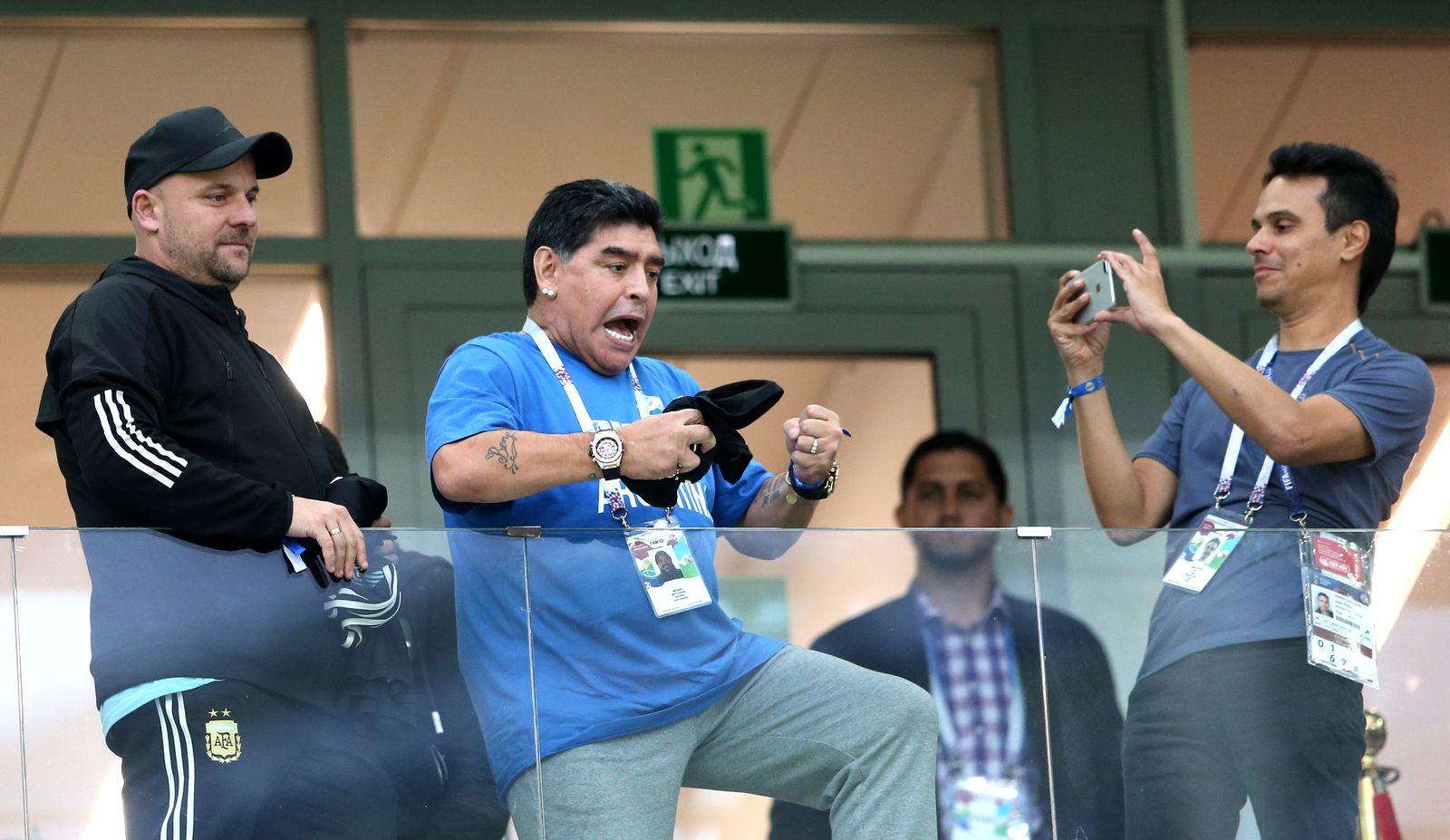 Maradona tanzt