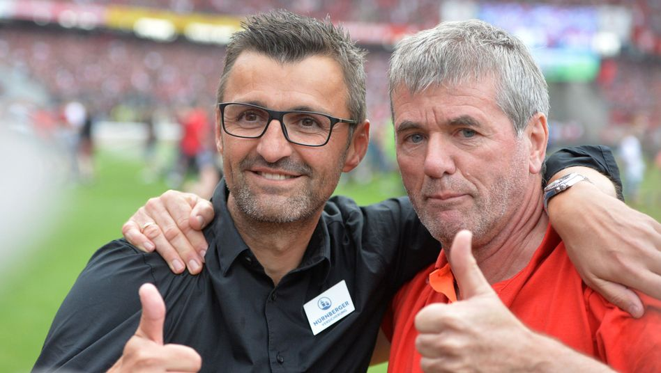 Fortuna-Trainer Funkel (r.) und Club-Trainer Köllner
