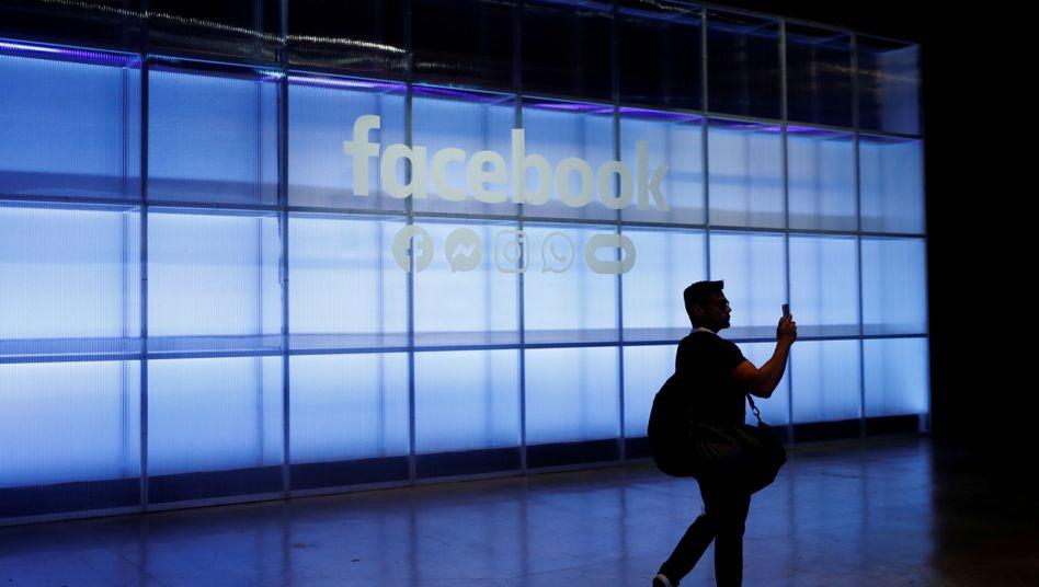Facebook will sich eine Judikative einrichten.