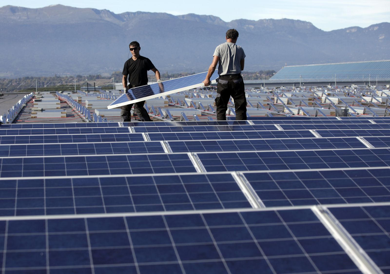 Schweiz / Solar Palexpo Exhibition Center