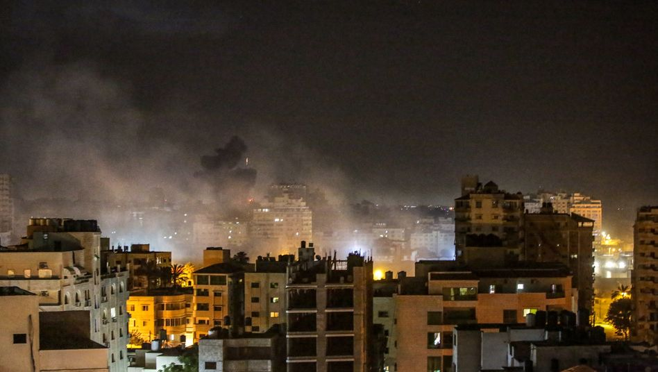 Rauch über Gaza nach israelischen Luftangriffen