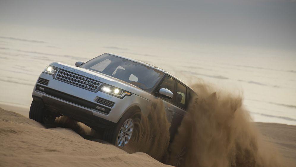 Autogramm Land Rover Range Rover: Schlammschlacht im Smoking