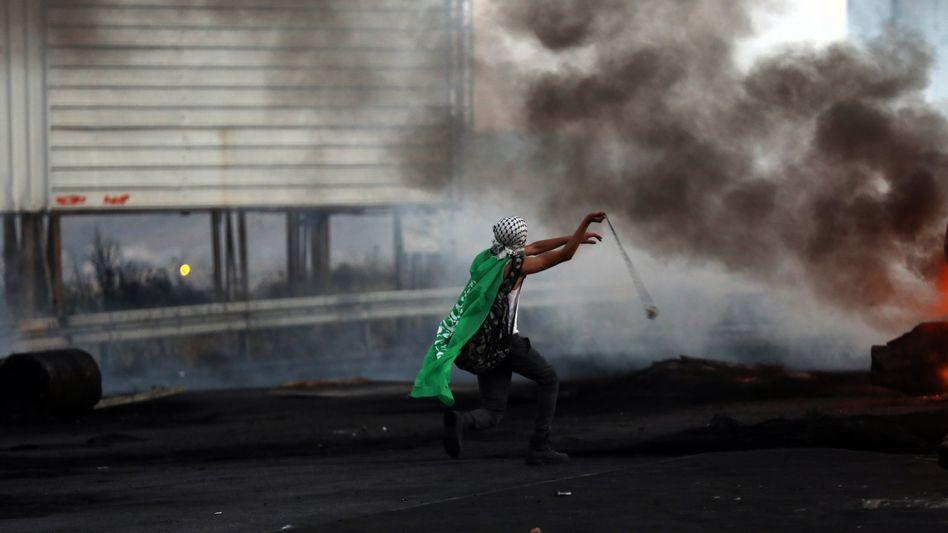 Protestierender Palästinenser im Westjordanland