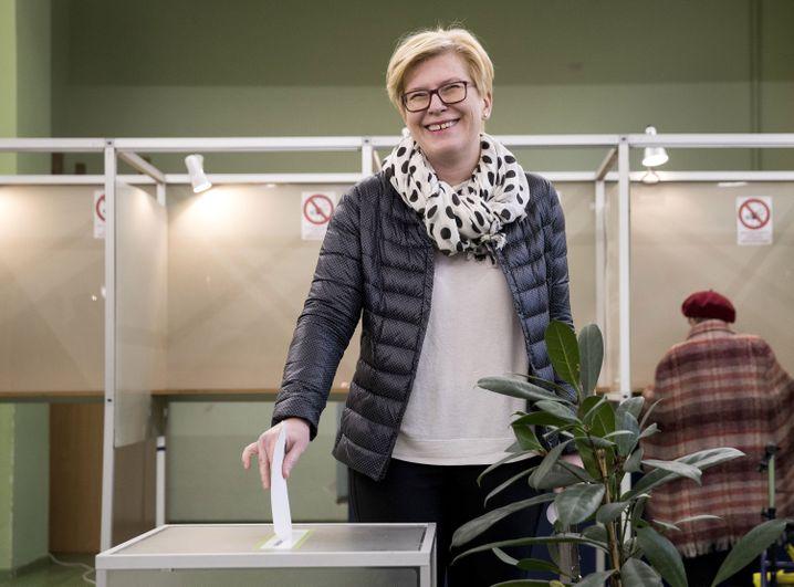 Ingrida Simonyte, ehemalige Finanzministerin Litauens, bei der Stimmabgabe