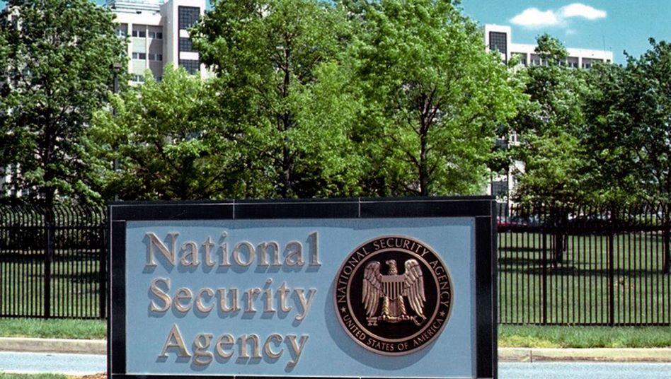 Eingang zur NSA-Zentrale: Grüne und Linke setzten Bundesregierung unter Druck