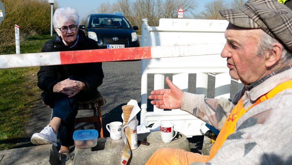 Inga Rasmussen, 85, aus dem dänischen Gallehus und Karsten Tüchsen Hansen, 89, aus Süderlügum in Nordfriesland