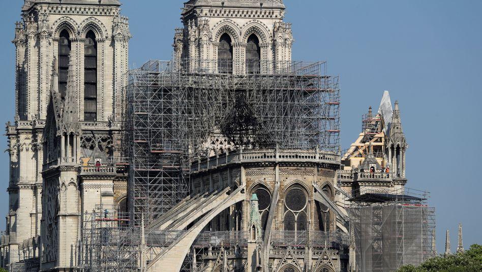 Soll demnächst mit einer riesigen Plane geschützt werden: Pariser Kathedrale Notre-Dame.