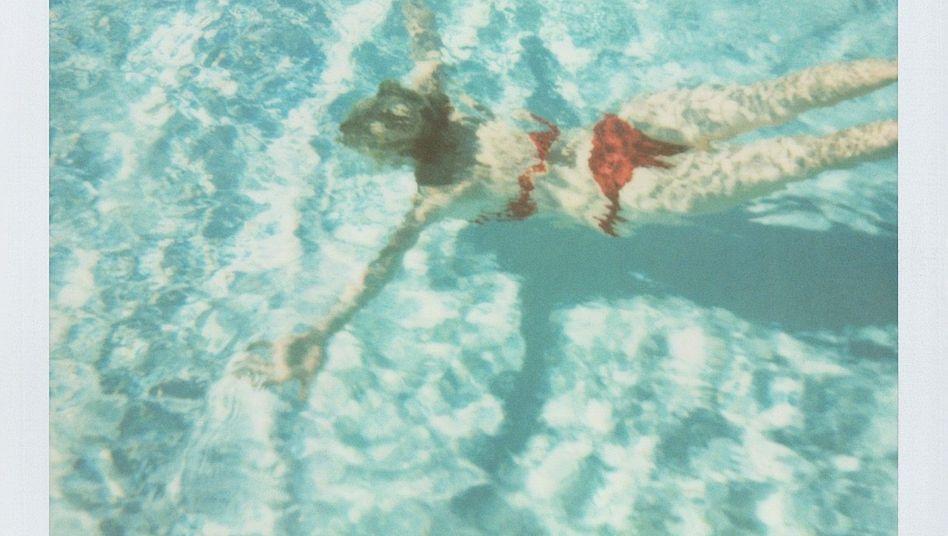 Polaroidaufnahme: Surrendes Geräusch als Teil der Kindheitserinnerung