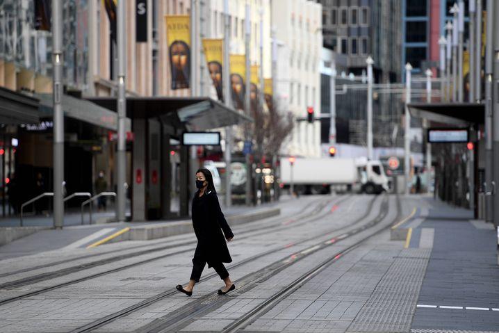 Eine leere Straße in Sydney. Trotz eines Lockdowns breitet sich das Coronavirus in der Stadt aus