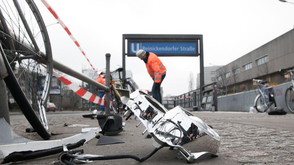 Unfallstelle an der U-Bahnstation Reinickendorfer Straße in Berlin