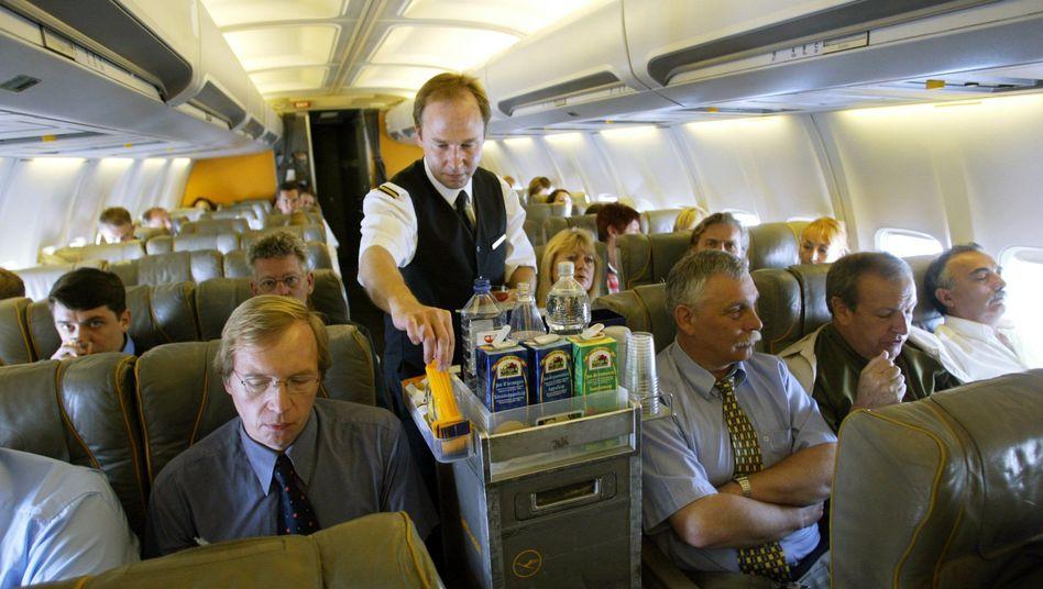 Getränkeservice im Flugzeug: Gift in der Zapfluft?