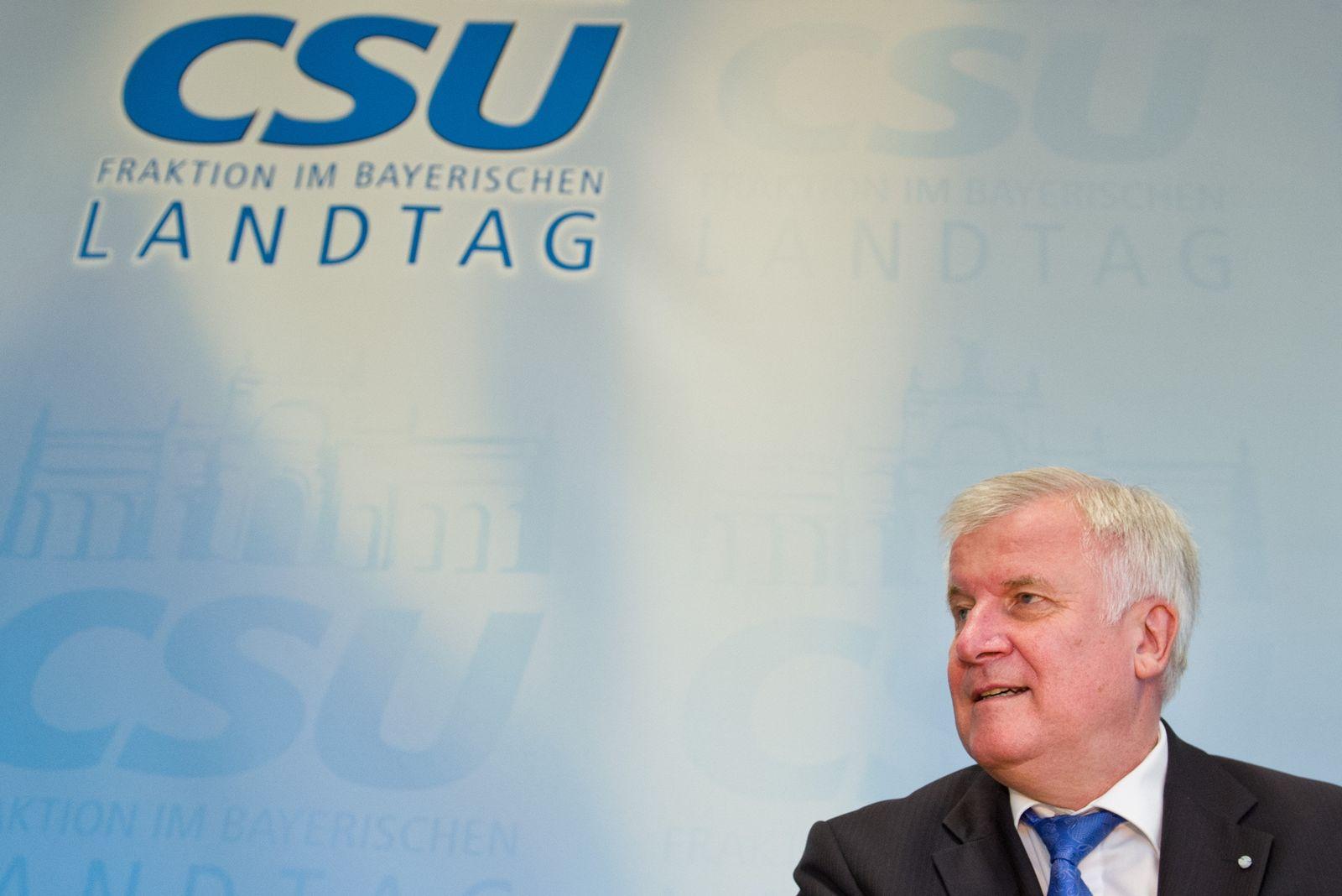 Horst Seehofer, Fraktionssitzung im Landtag