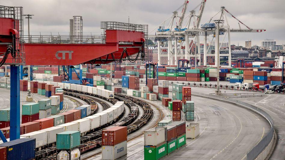 Hamburger Hafen: Corona trifft deutsche Wirtschaft hart