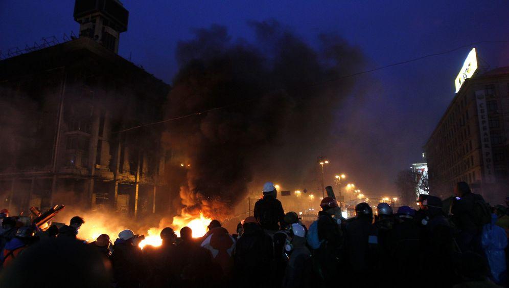 Ukraine: Demonstranten harren aus