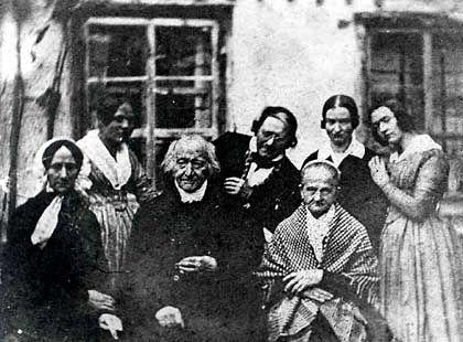Mozartwitwe Constanze (l.), Komponistenfamilie Keller: Einziges existierendes Foto