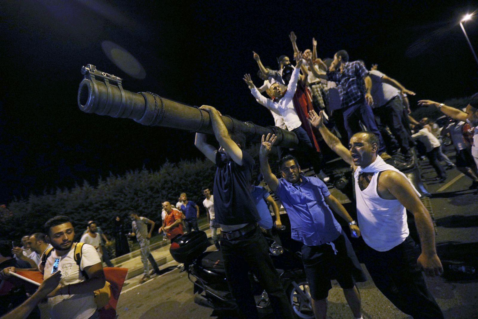 VIDEOTEASER_Türkei Putsch Istanbul