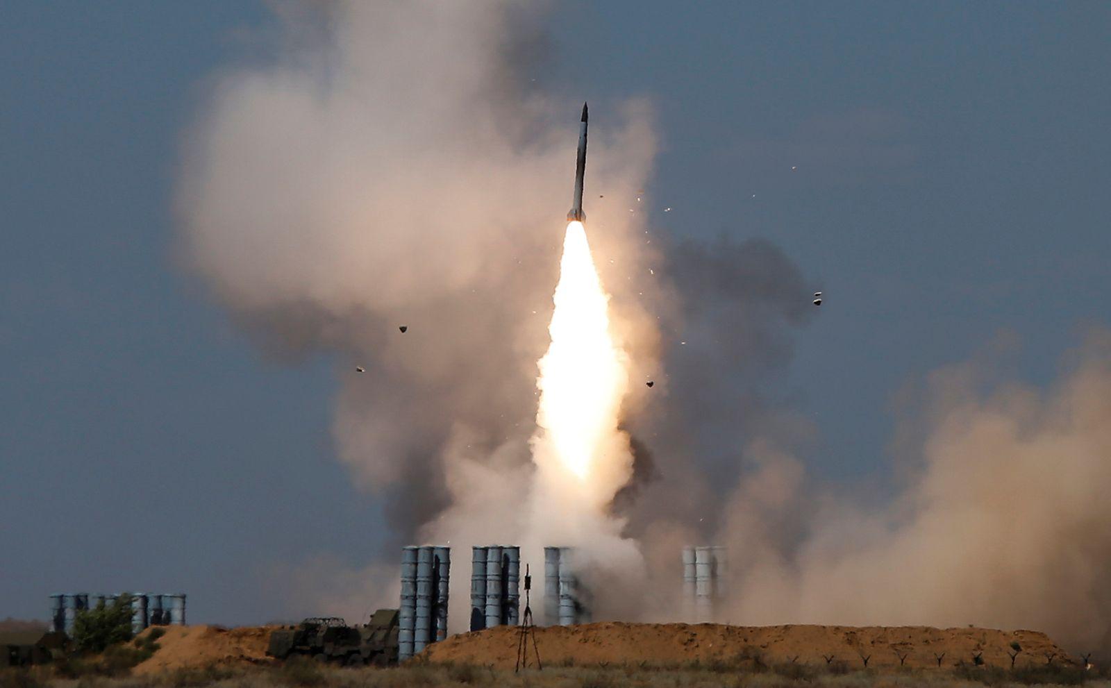 Russische S-300/ Abfeuern Rakete