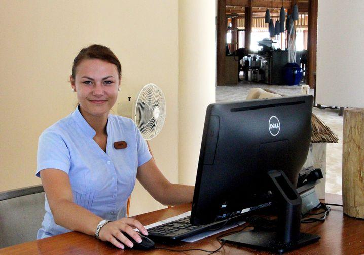 Front Office Manager Anica Roch, 26: Seit acht Monaten auf Mirihi