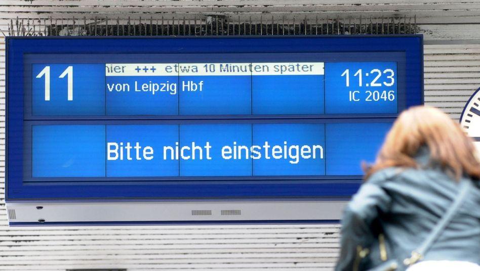 Hochwasser-Folgen: ICE-Züge nach Berlinauch Dienstag stark verspätet
