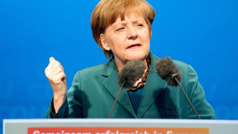 Offenbar gegen die Atomstiftung: Angela Merkel bei einem Auftritt in Naumburg