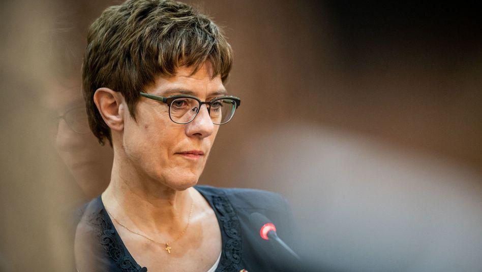 Annegret Kramp-Karrenbauer, Verteidigungsministerin voller Tatendrang