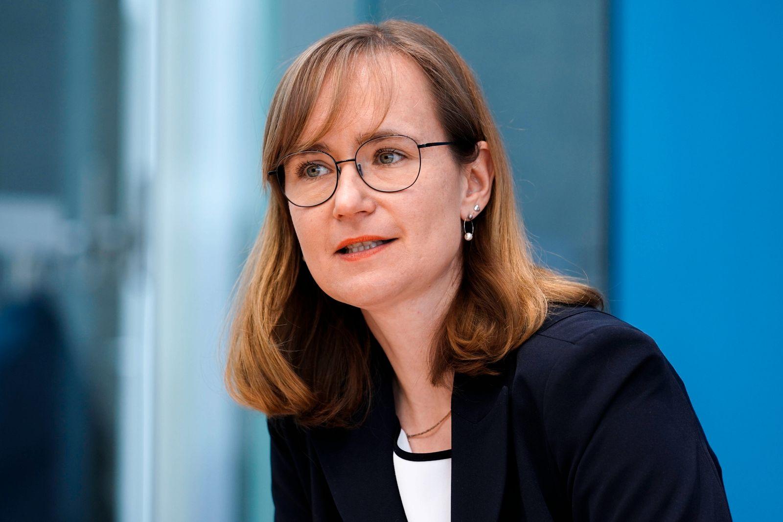 Bundespressekonferenz Zukunftsinvestitionen - Wiedererhebung der Vermoegensteuer Aktuell, 24.03.2021, Berlin, Eva von A