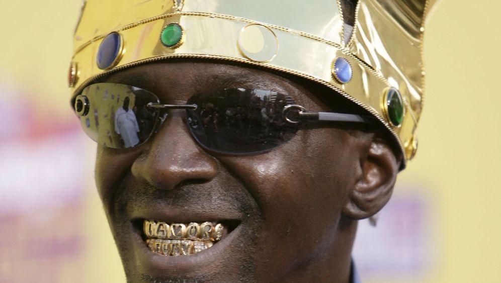 Gold im Mund: Strahlendes Lächeln für böse Jungs