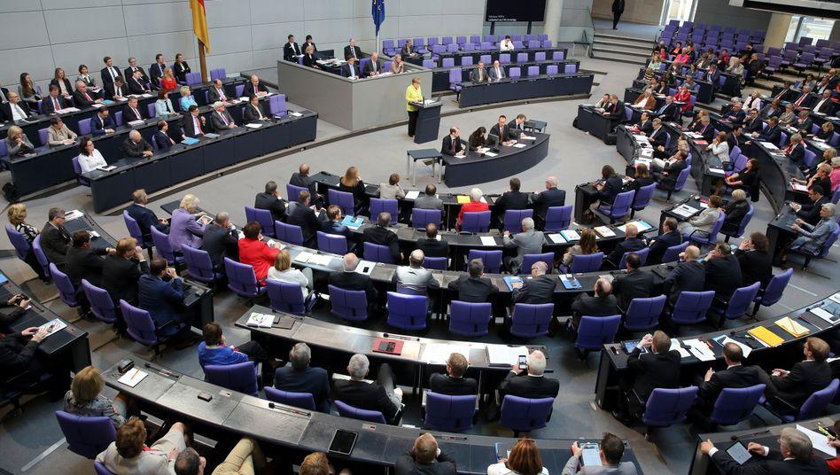 Deutscher Bundestag: Rechner geknackt, Daten kopiert