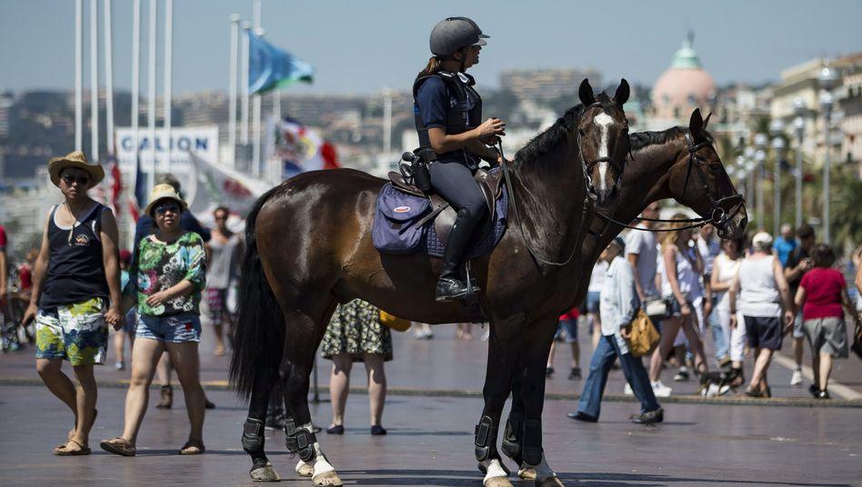 Polizei auf der Promenade von Nizza