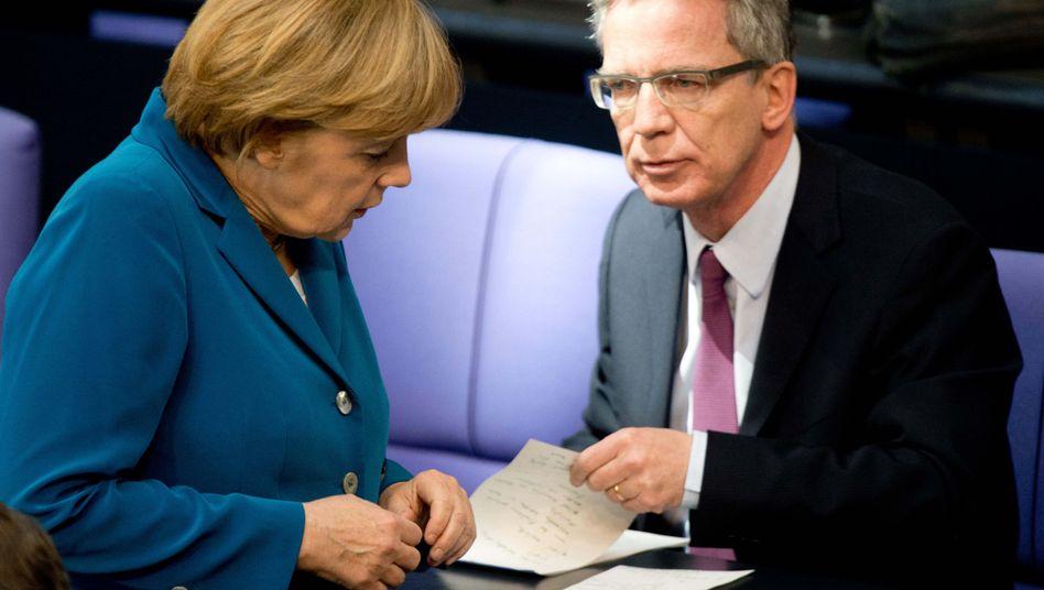 Merkel, de Maizière: Vollständige Aufklärung?