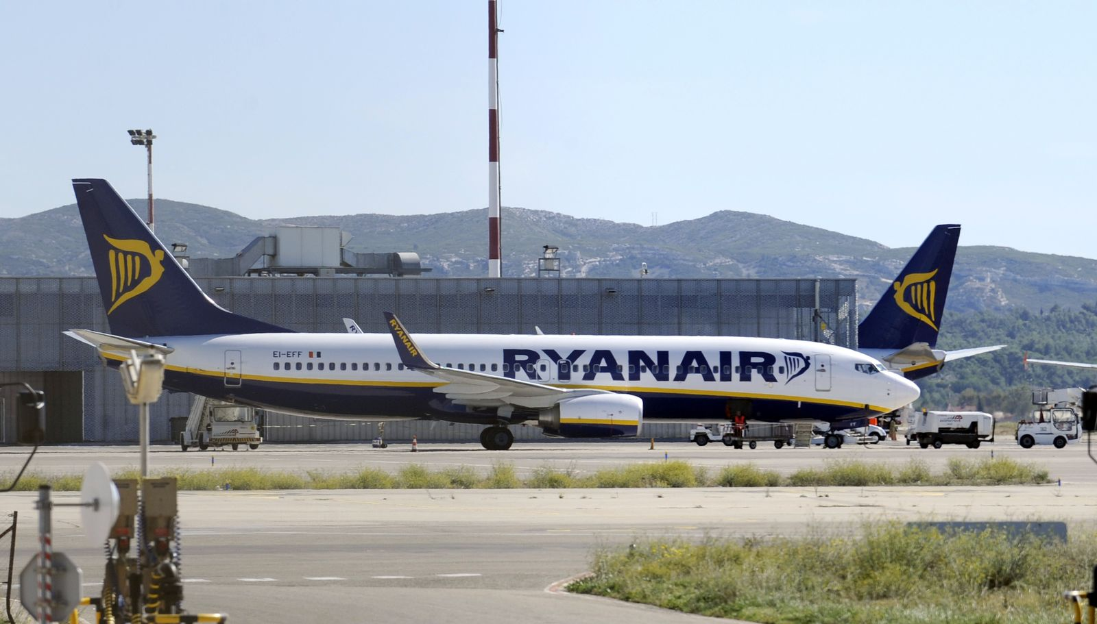 FRANCE-IRELAND-AIRLINE-COMPANY-RYANAIR-LABOUR