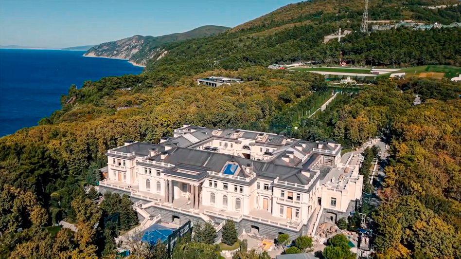 The vast villa on the Black Sea coast as filmed in a drone video by Alexei Navalny