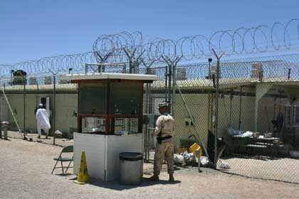 Gefangenenlager Guantanamo: Jahrelange Einzelhaft für Jugendliche?