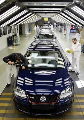 VW-Werk in Wolfsburg: Bis zu 175.000 Euro Abfindung