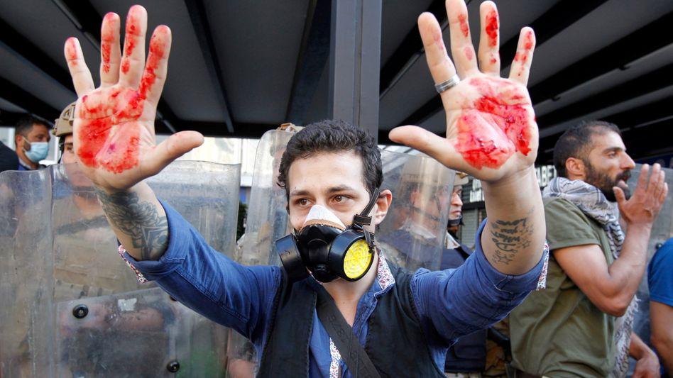 Blutige Zusammenstöße bei Protesten im Libanon: Demonstrant am 1. Mai 2020 in Beirut
