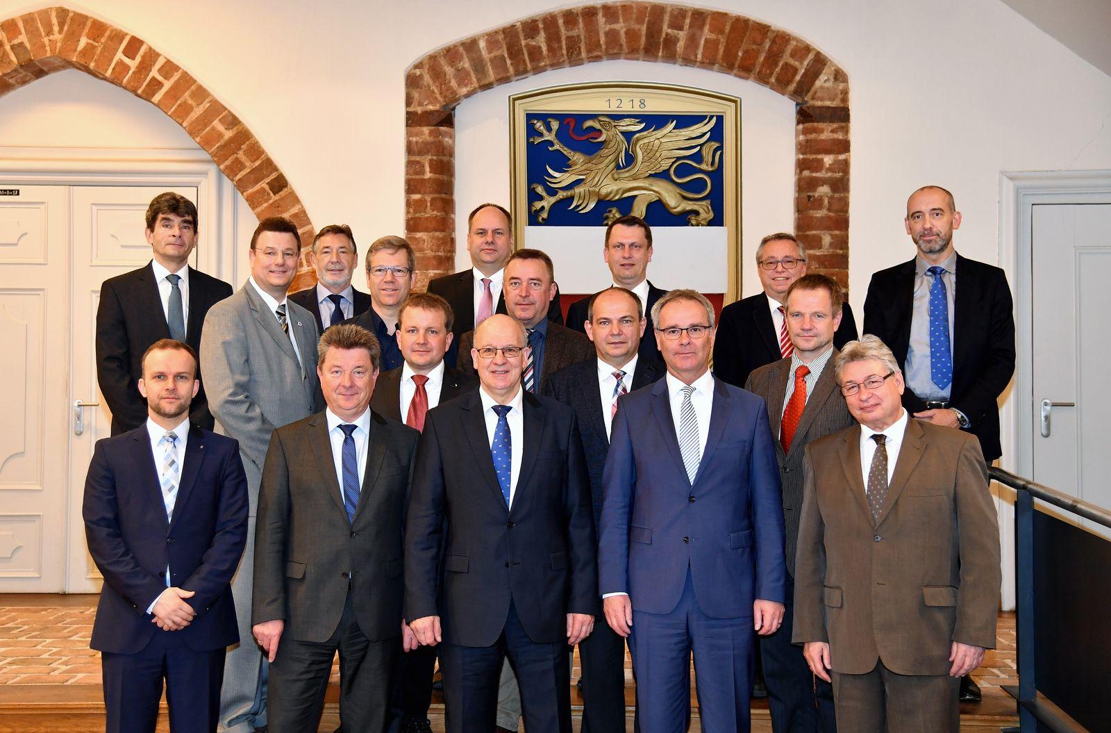 EINMALIGE VERWENDUNG OB-Konferenz/ Rostock