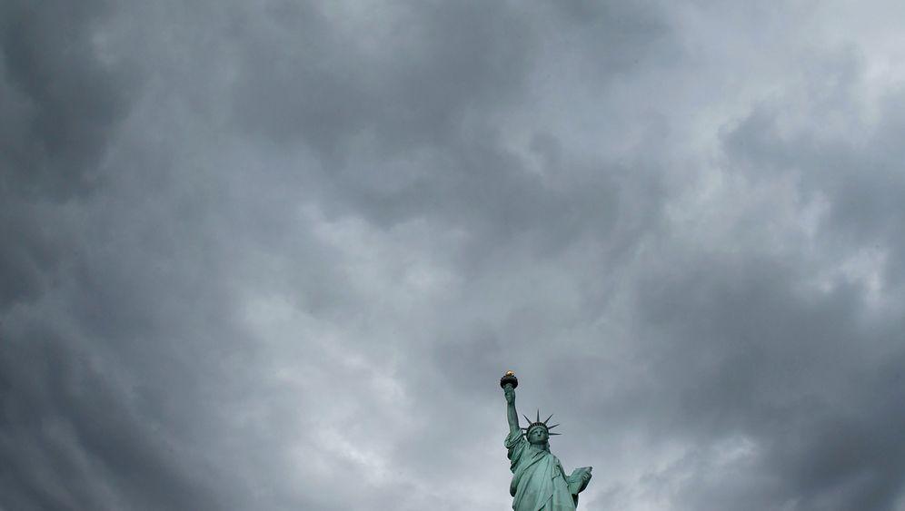 Photo Gallery: America Loses Its Edge