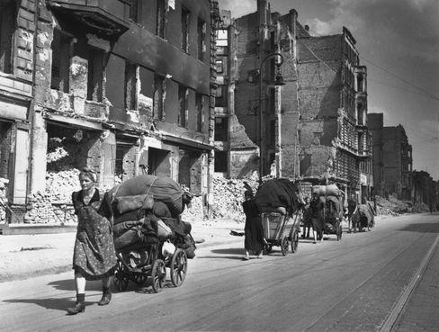 Aufräumen nach dem Krieg: »Vor allem arbeiten Frauen«