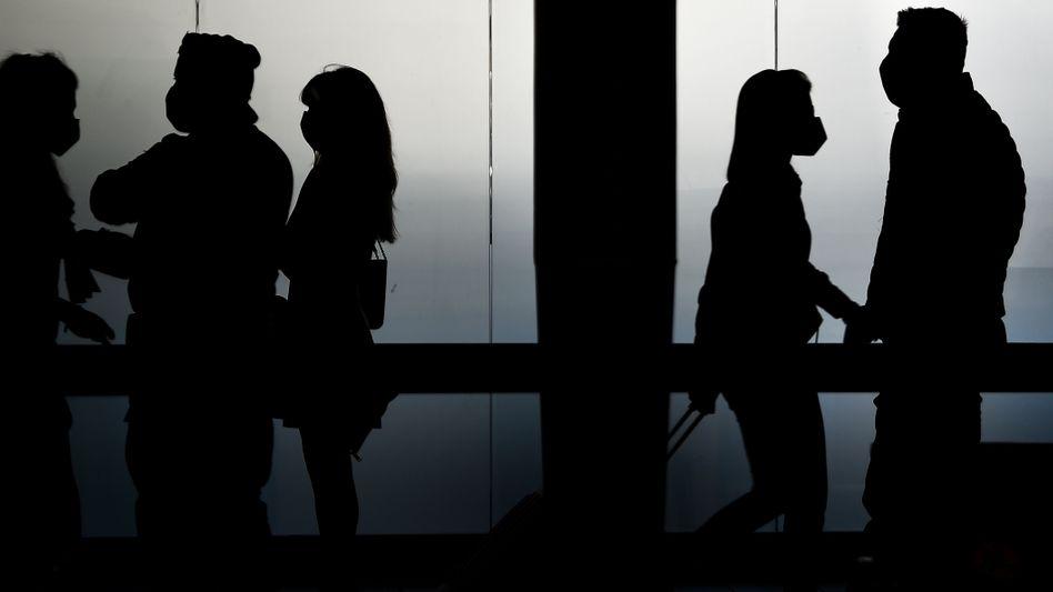 Auf deutschen Flughäfen soll bald eine generelle Maskenpflicht für alle Passagiere und Angestellte eingeführt werden