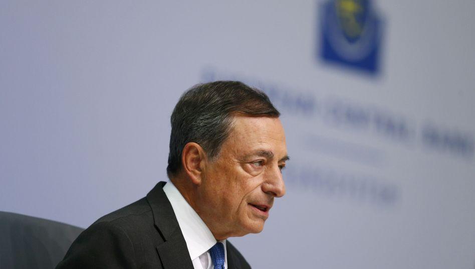EZB-Chef Draghi: Abwärtsrisiken