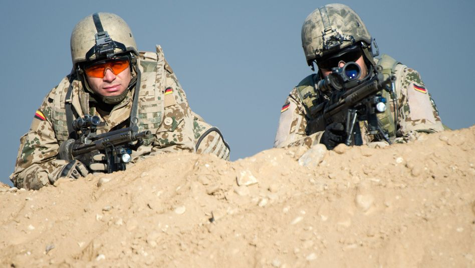 Bundeswehrsoldaten bei Masar-i-Scharif (Archiv): Künftig wieder auf Sicht