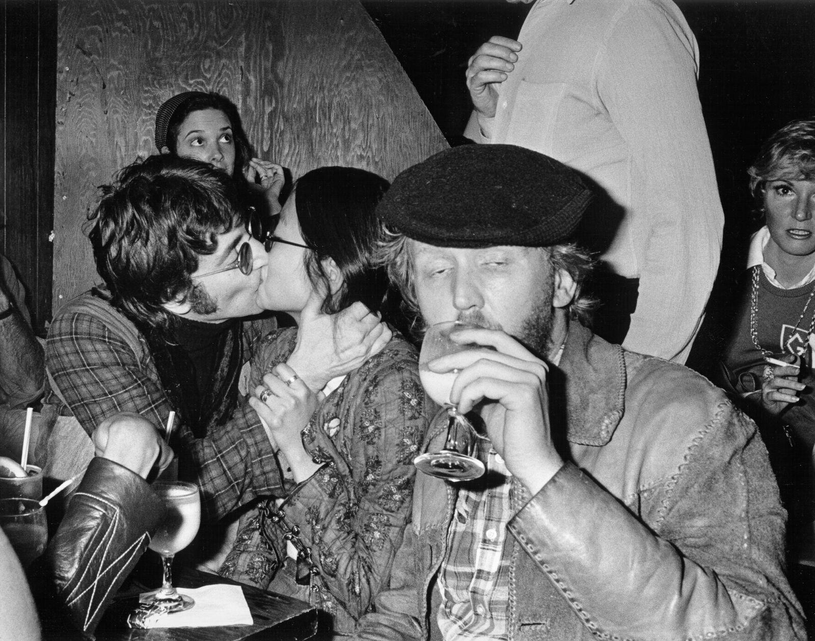 Beatle Lennon Turns Heckler, March 1974