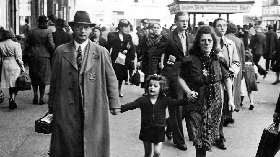 Jüdische Familie in Berlin 1941: Demütigender Alltag